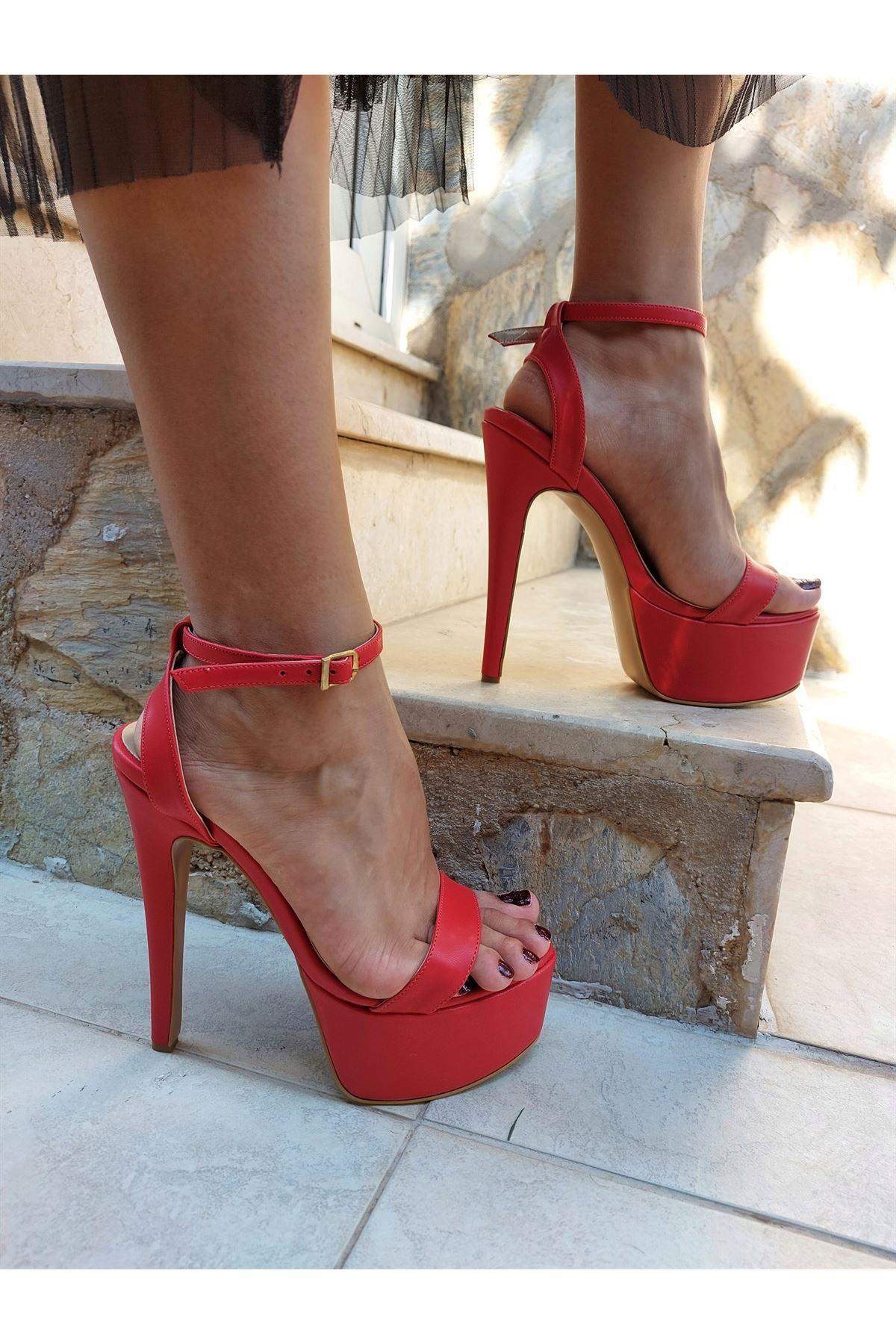 Jacop Kırmızı Cilt Yüksek Topuklu Ayakkabı
