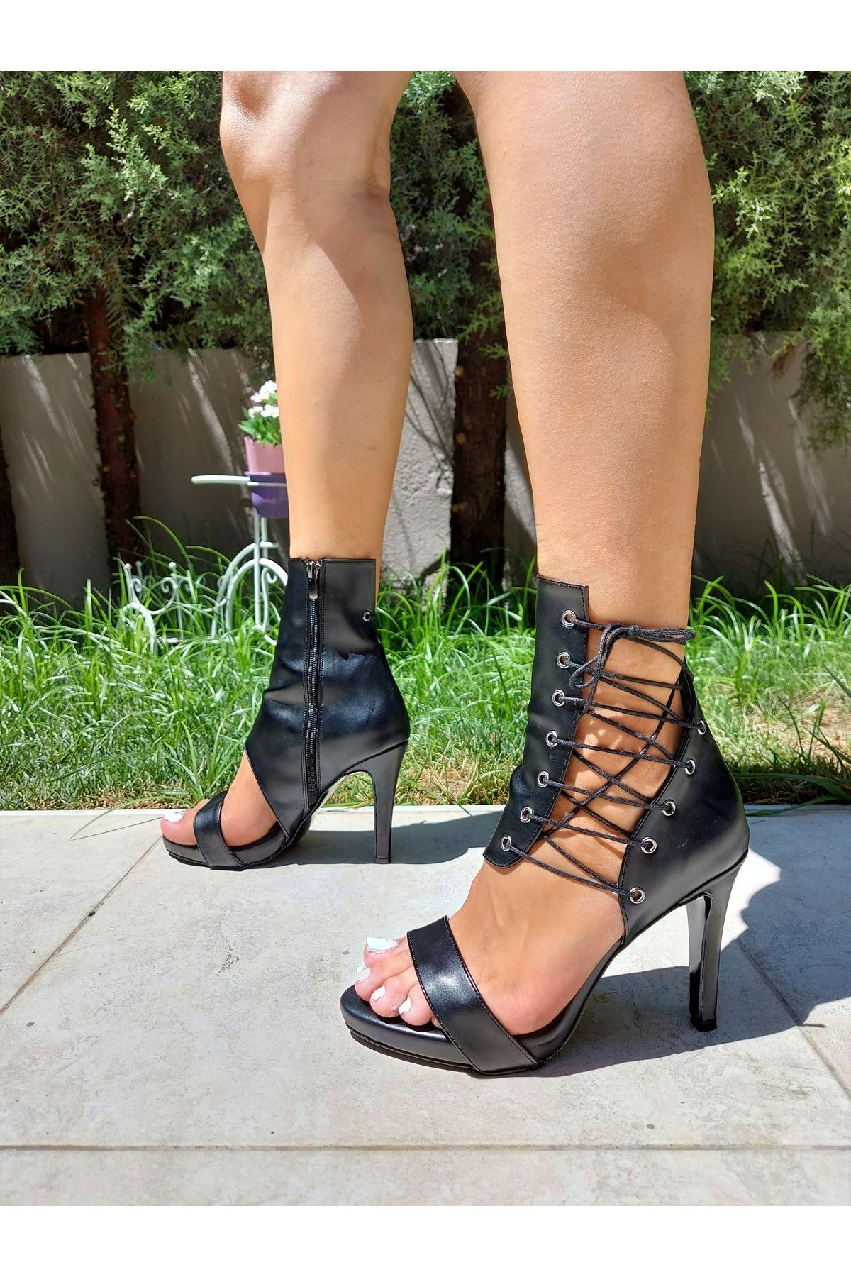 Cara Siyah Cilt Bağcıklı Topuklu Ayakkabı