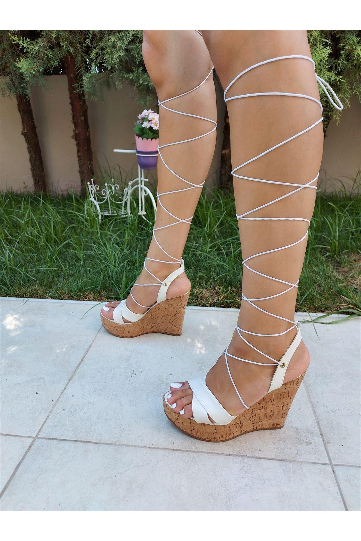 Hannah Beyaz Cilt Biyeli Dolgu Topuklu Ayakkabı