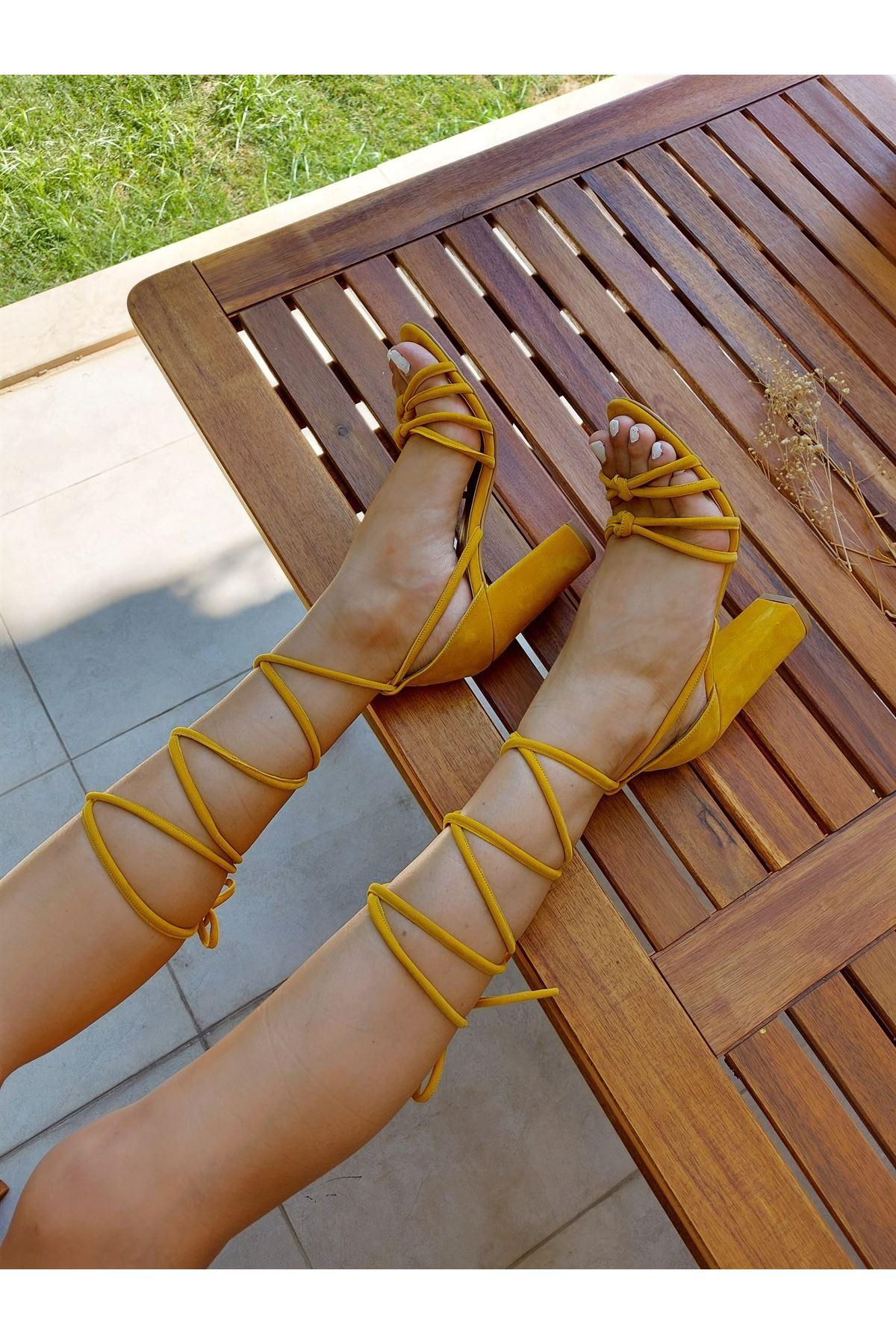 Nora Hardal Süet Uzun Biyeli Topuklu Ayakkabı
