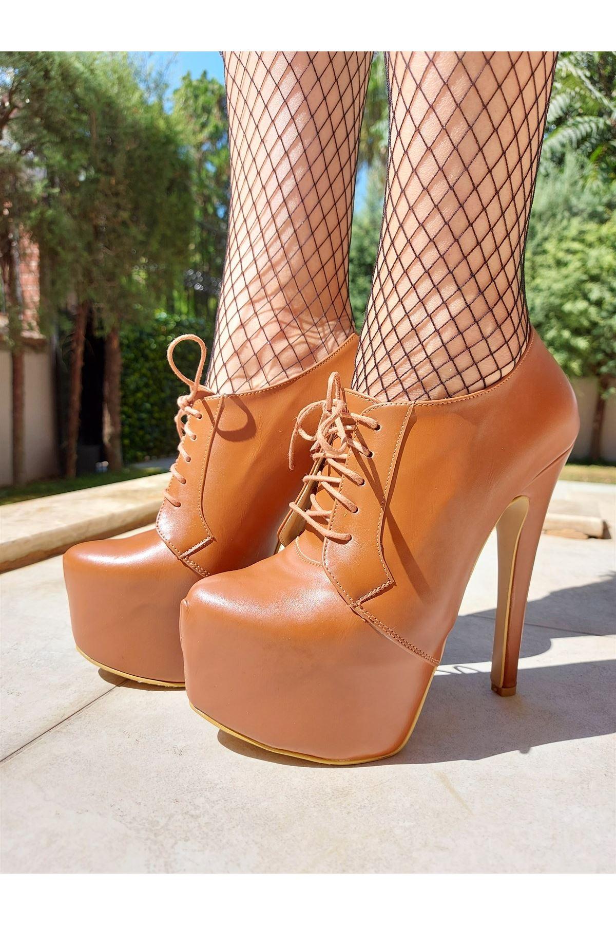 Hare Bağcıklı Taba Cilt Yüksek Topuklu Ayakkabı