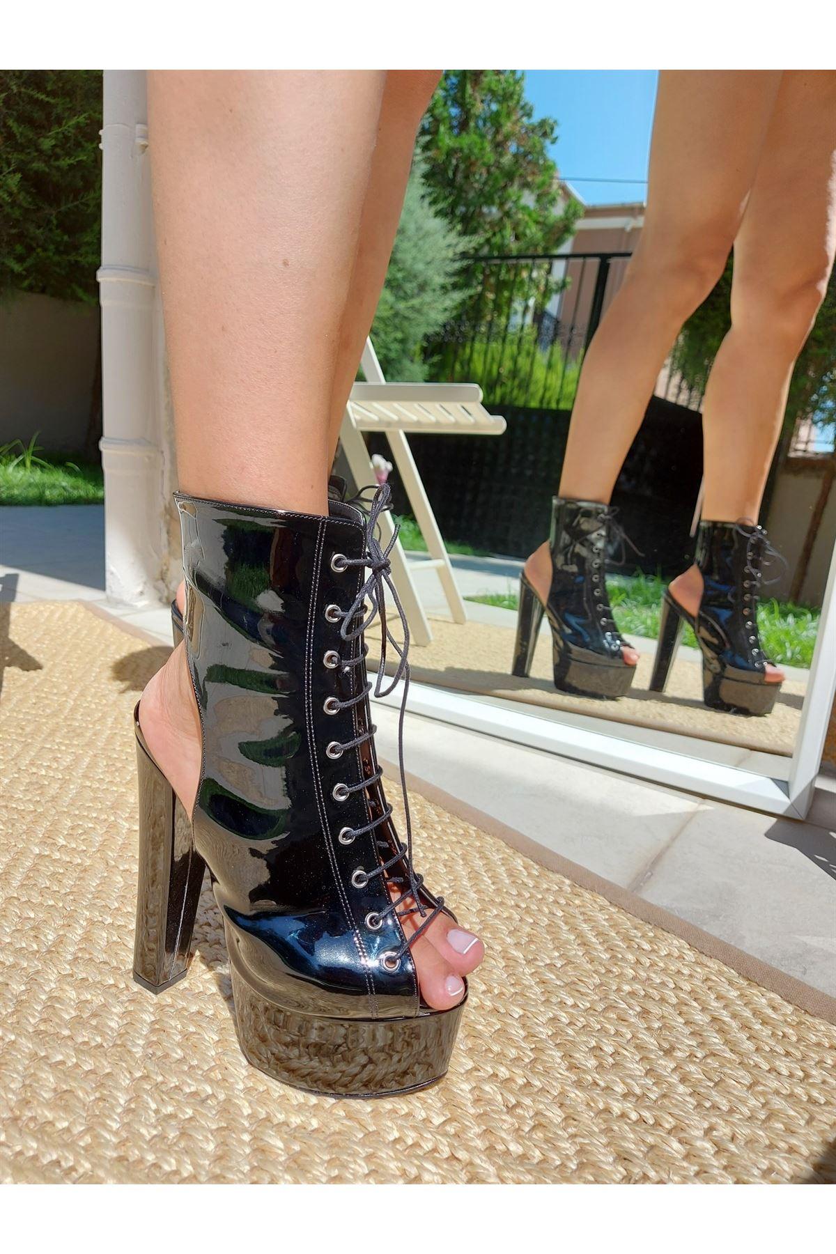 Tatum Siyah Rugan Yüksek Topuklu Ayakkabı