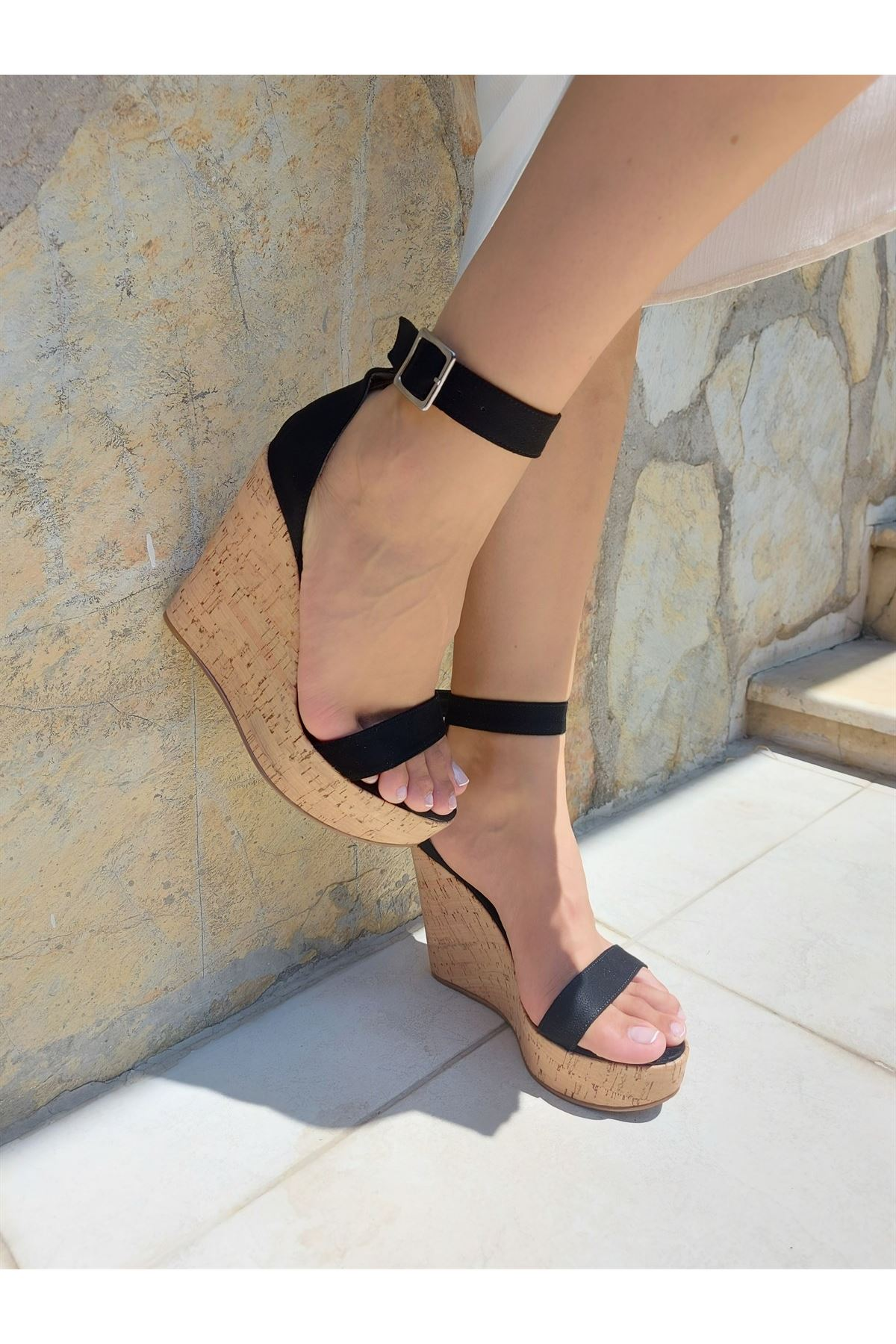 Emma Mantar - Siyah Süet Dolgu Topuklu Ayakkabı