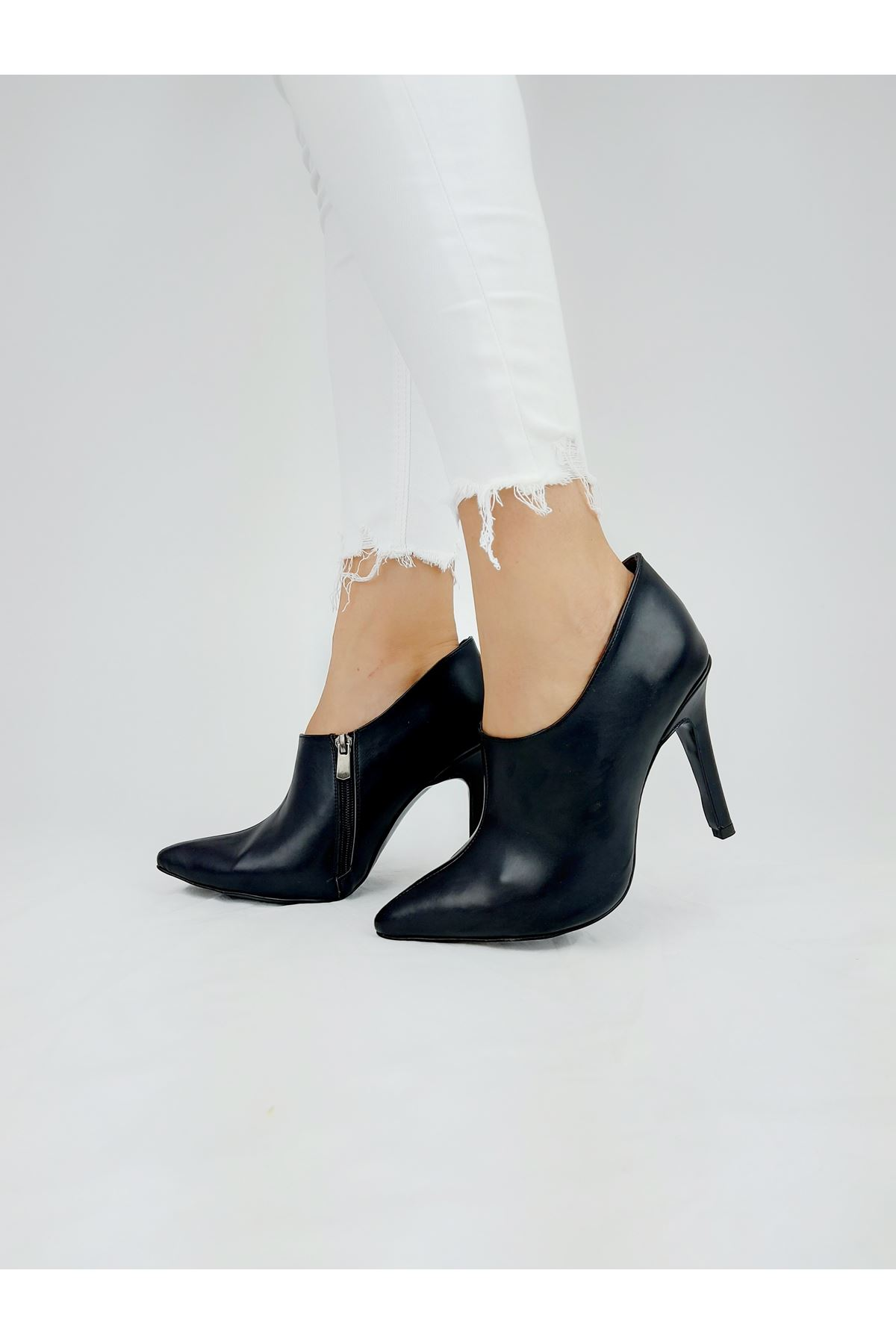 Nora Siyah Cilt Topuklu Stiletto