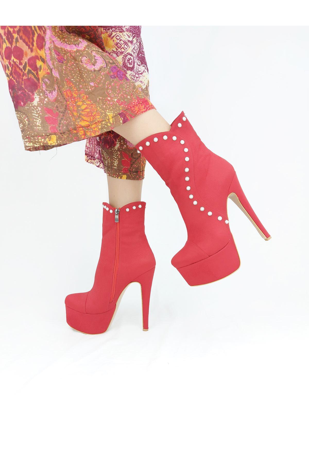 Maude İnci Detaylı Kırmızı Süet Yüksek Topuklu Bot