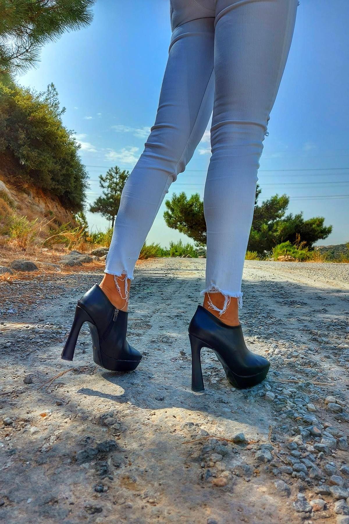 Cattle Siyah Cilt Topuklu Kadın Bot