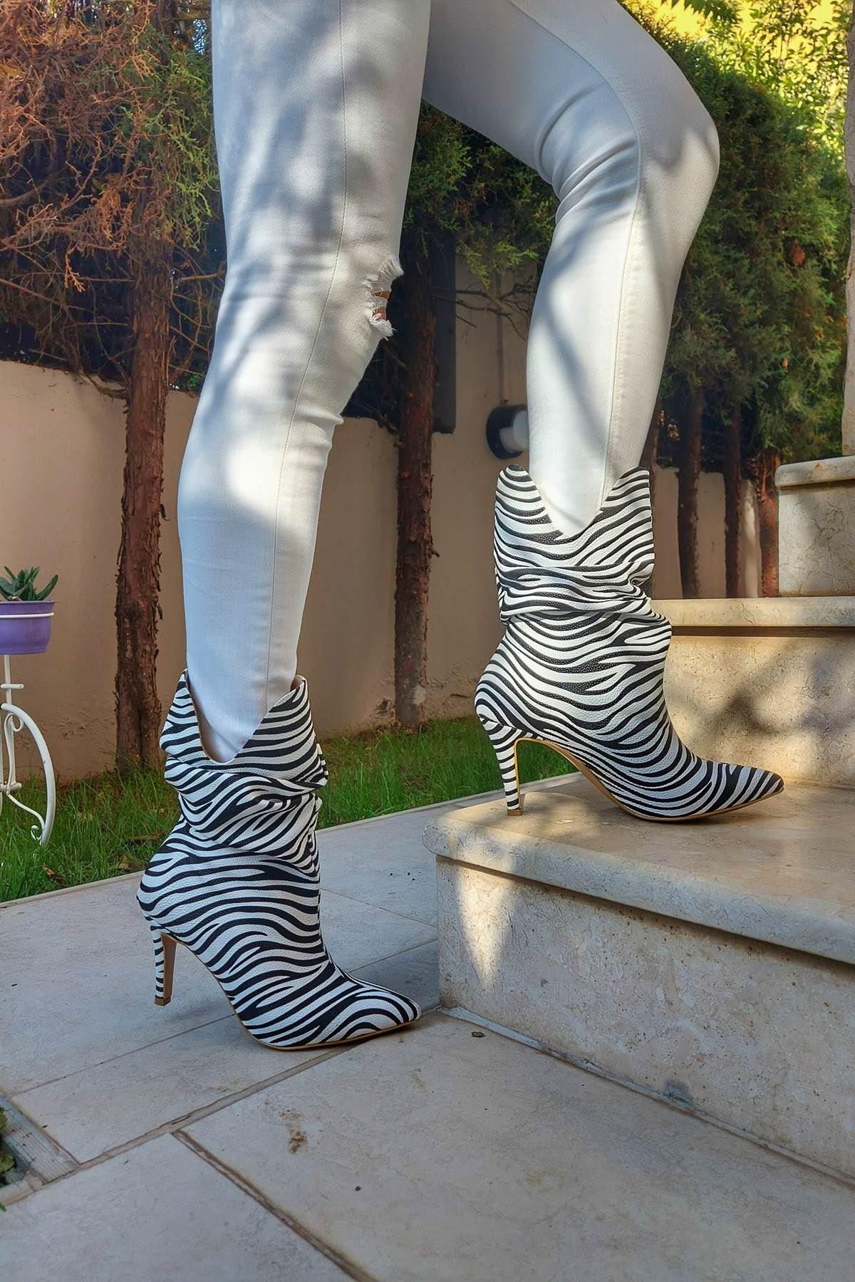 Olav Zebra Desenli Topuklu Kadın Bot