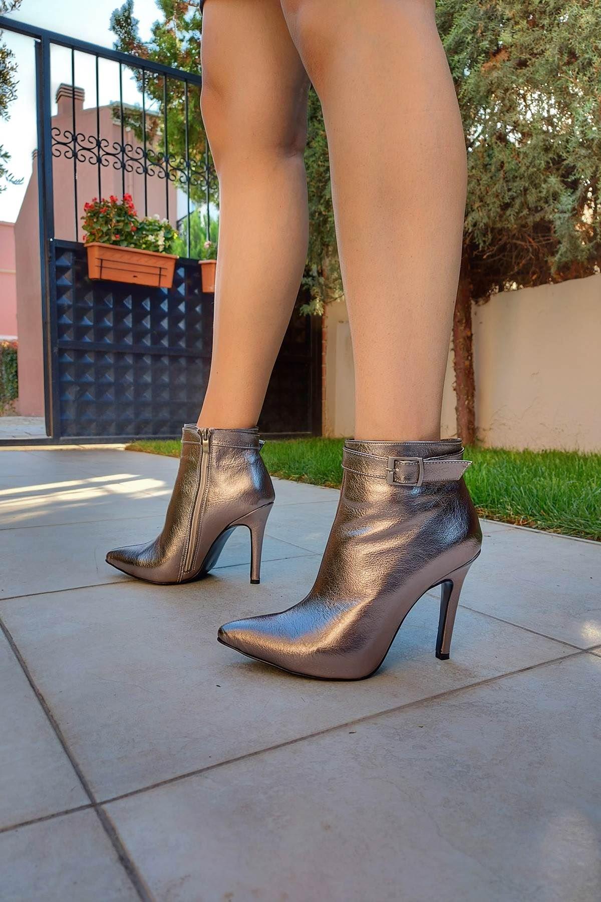 Ventos Platin Kırışık Topuklu Kadın Bot