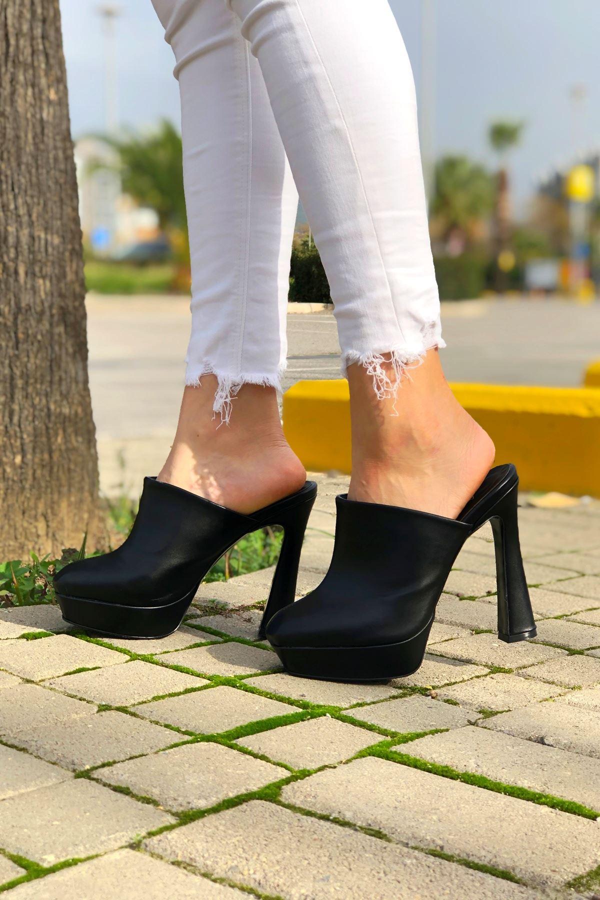 Aliya Siyah Cilt Topuklu Kadın Ayakkabı