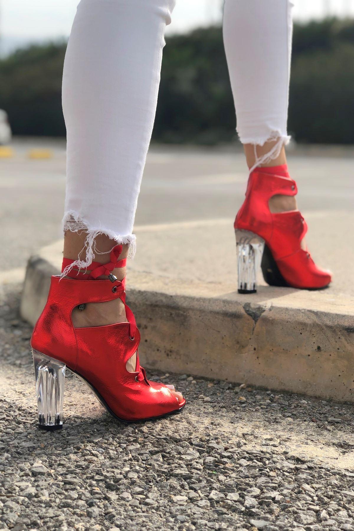 Amata Kırmızı Parlak Topuklu Kadın Ayakkabı