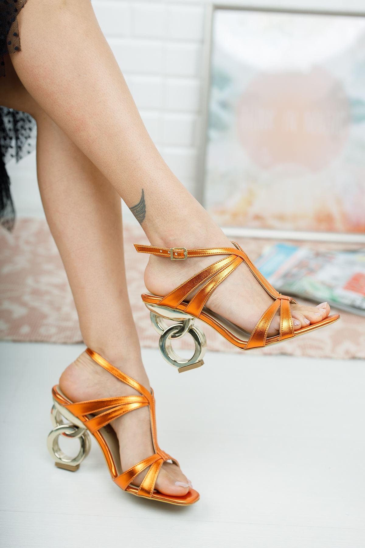 Pilara Turuncu Parlak Halka Topuklu Ayakkabı