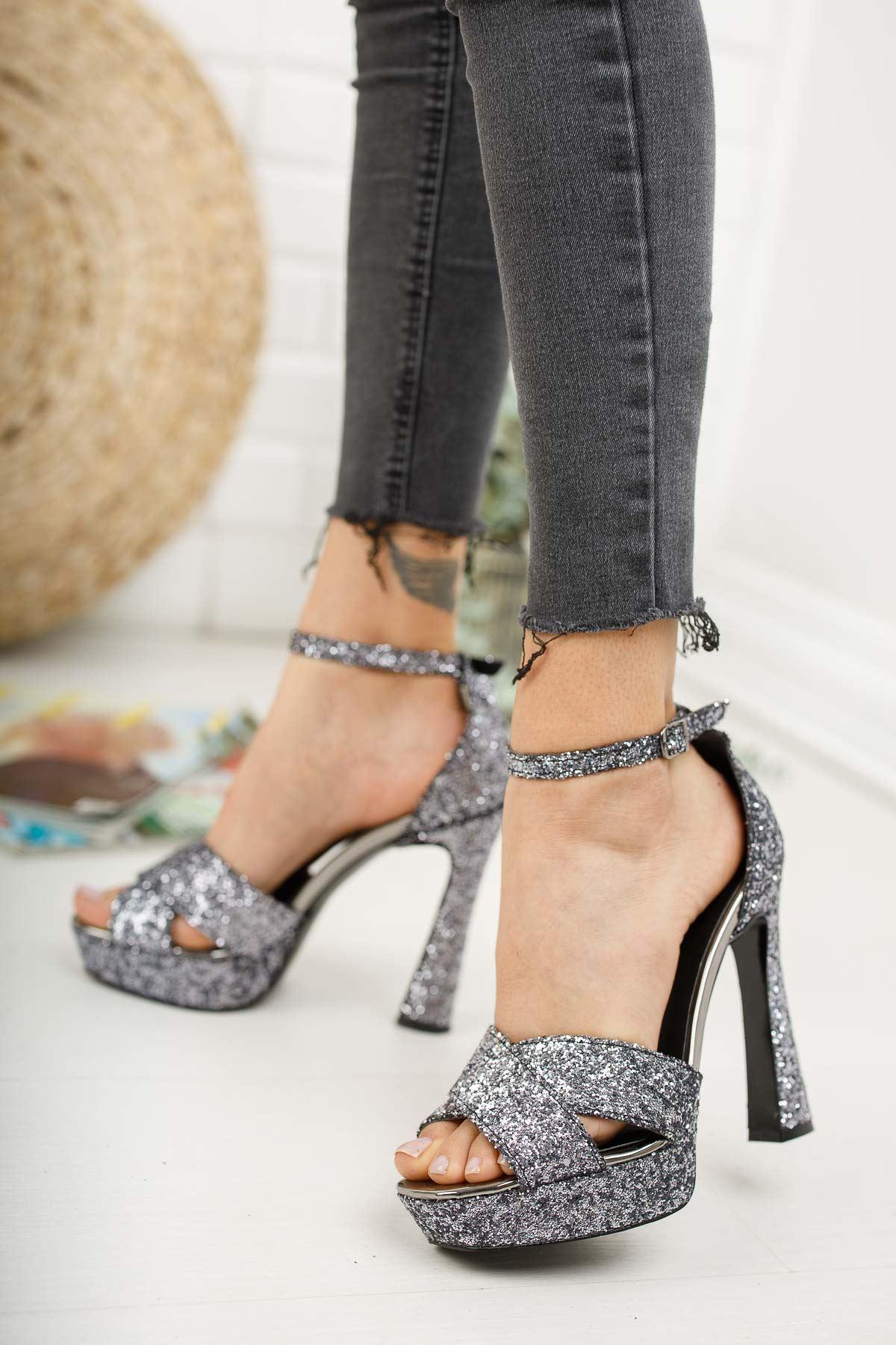 Cardi Platin Pullu Platform Kadın Ayakkabı