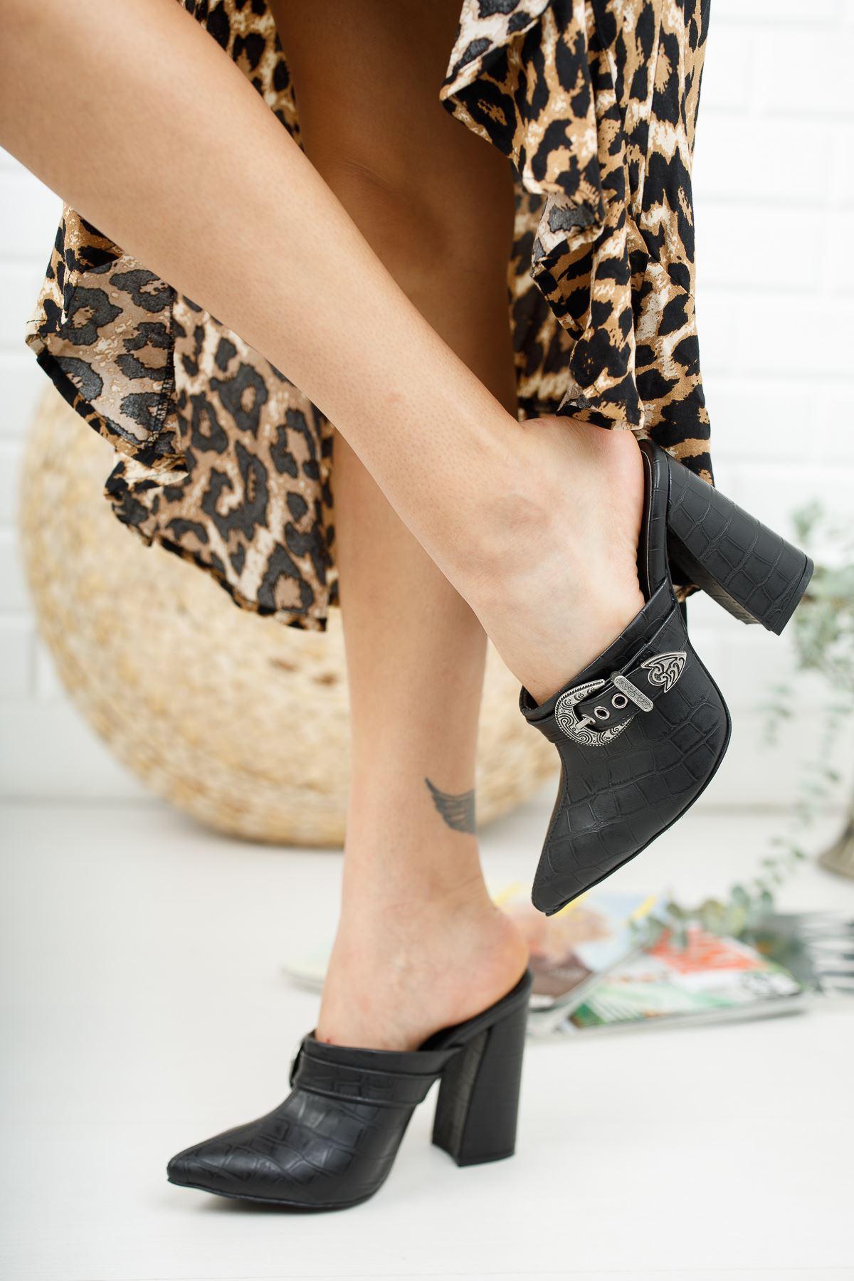 Bacy Siyah Krokodil Tokalı Topuklu Kadın Terlik