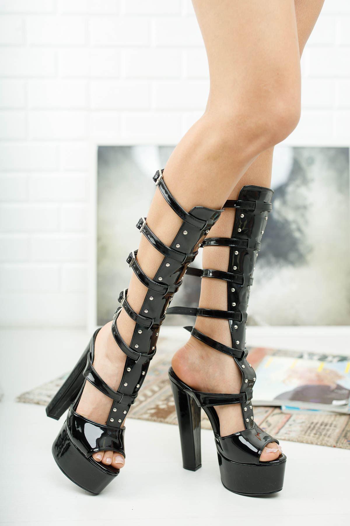 Lesvas Siyah Rugan Yüksek Topuklu Ayakkabı