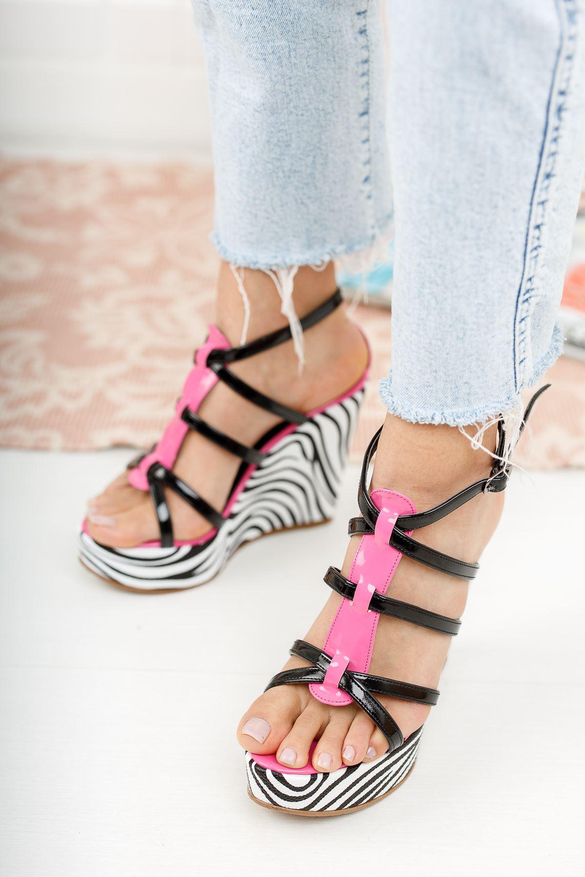 Kirsten Zebralı Dolgu Topuklu Ayakkabı
