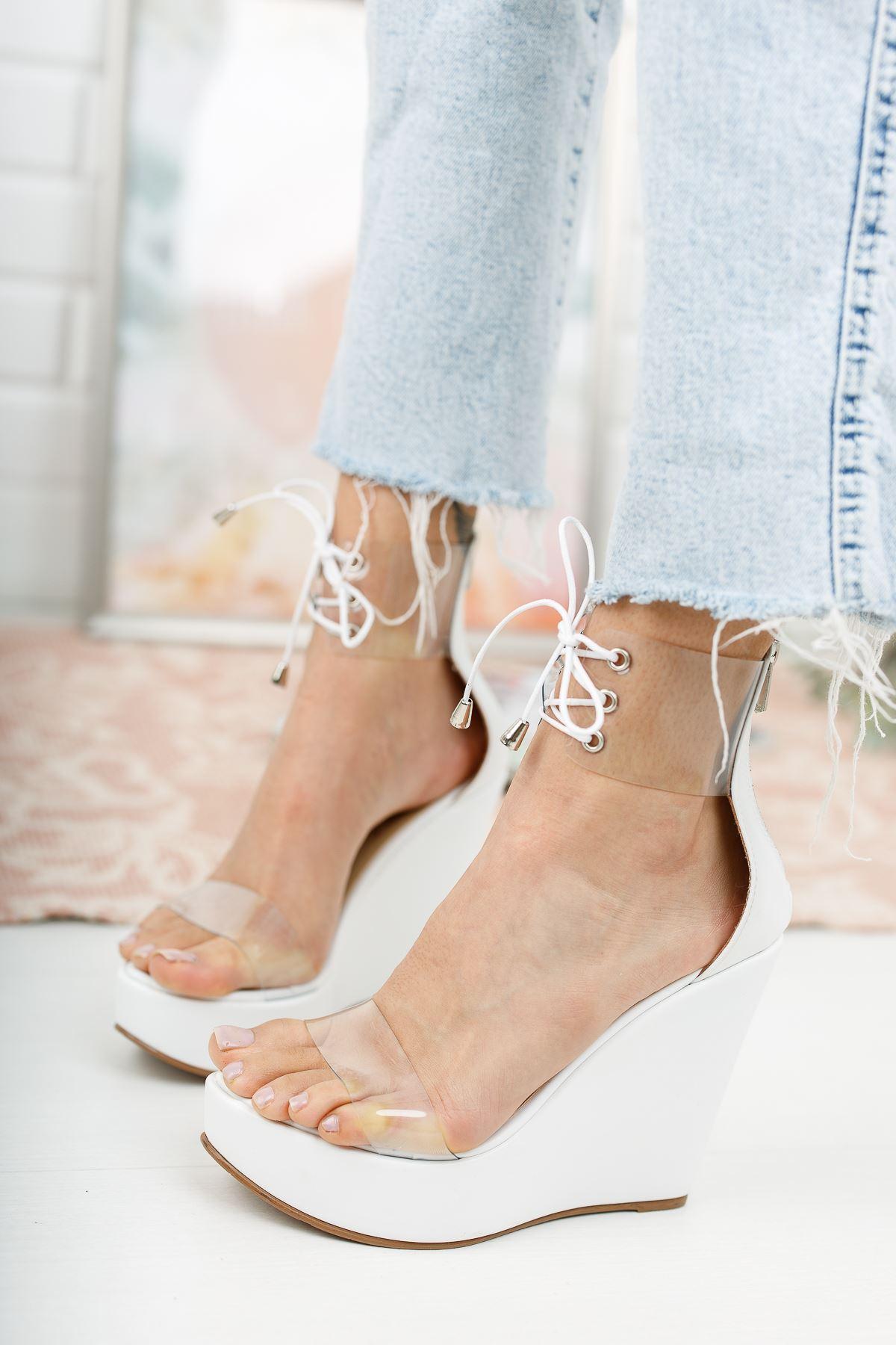 Browse Beyaz Cilt Dolgu Topuklu Kadın Ayakkabı