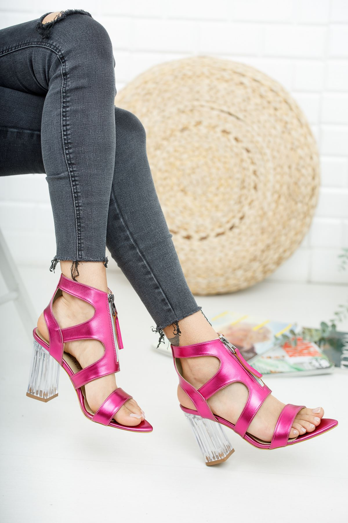 Alec Fuşya Parlak Şeffaf Topuklu Kadın Ayakkabı
