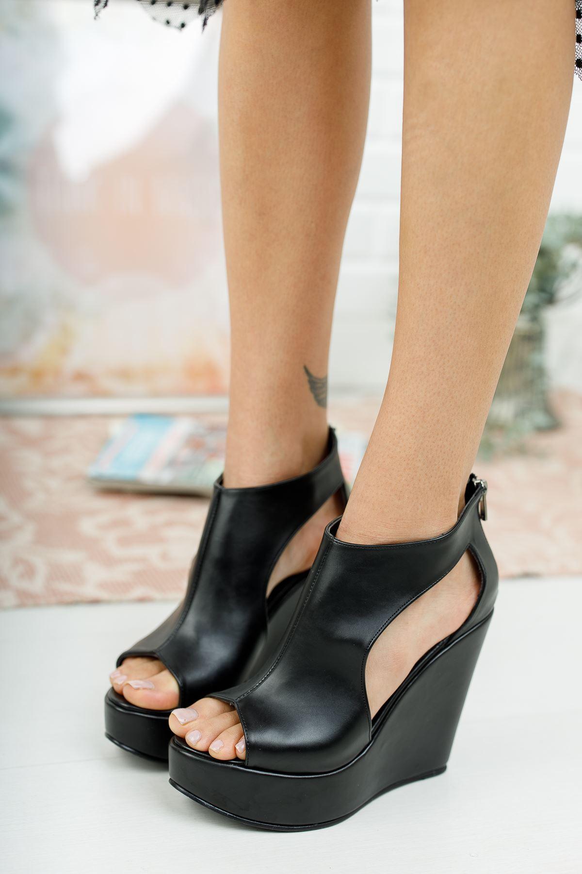 Maya Siyah Cilt Dolgu Topuklu Ayakkabı