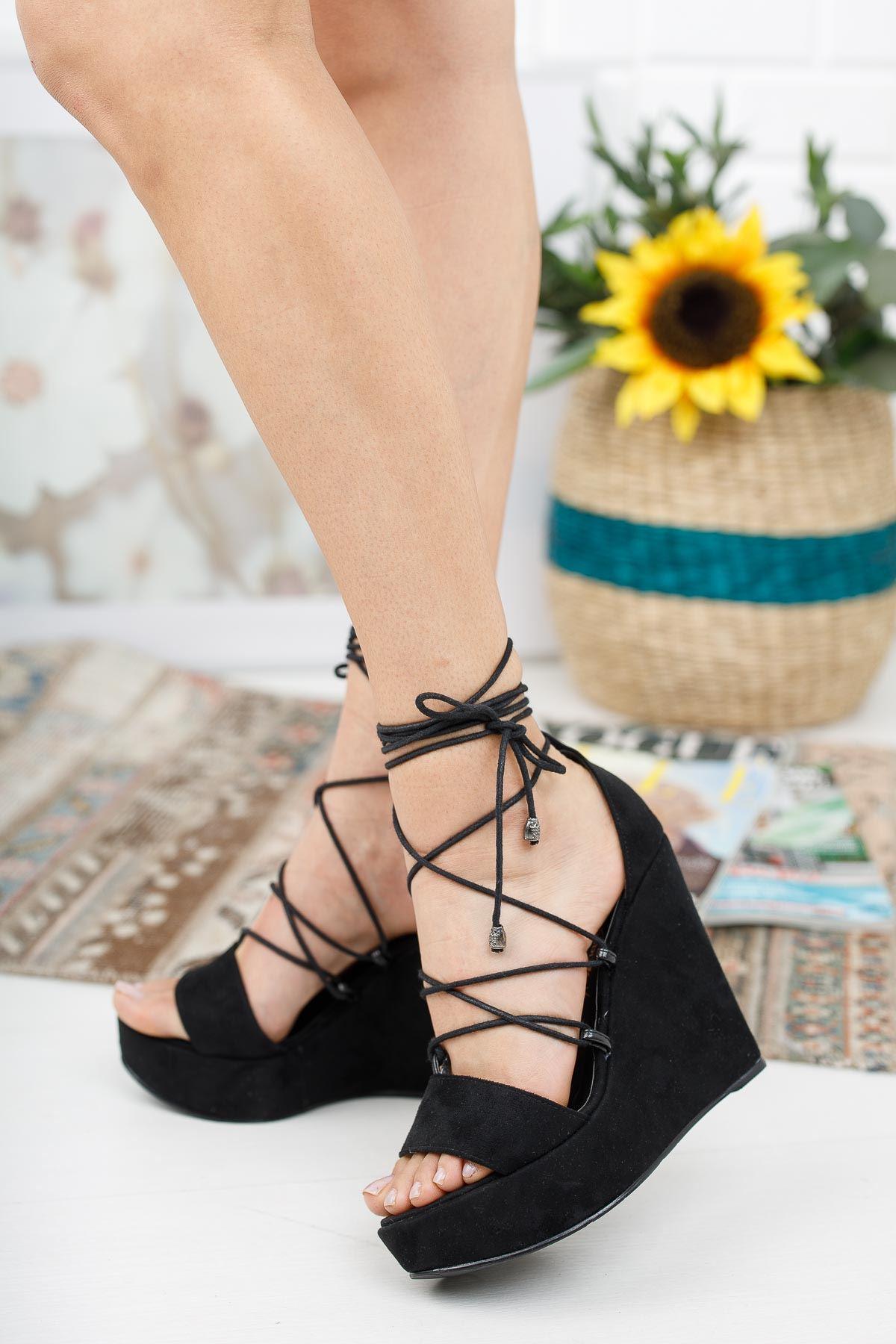 Diona Siyah Süet Dolgu Topuklu Kadın Ayakkabı