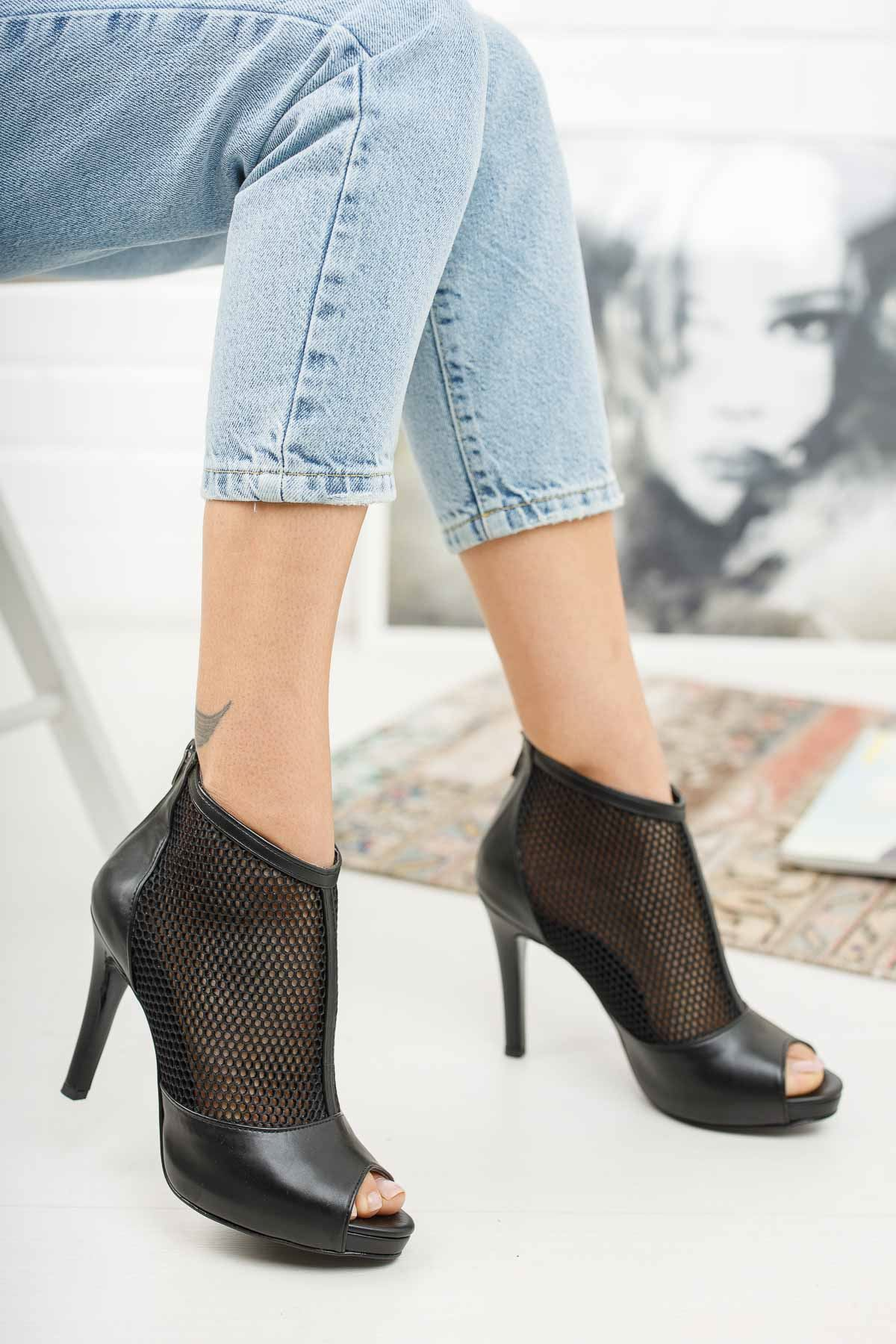 Coleen Siyah Cilt Topuklu Kadın Ayakkabı
