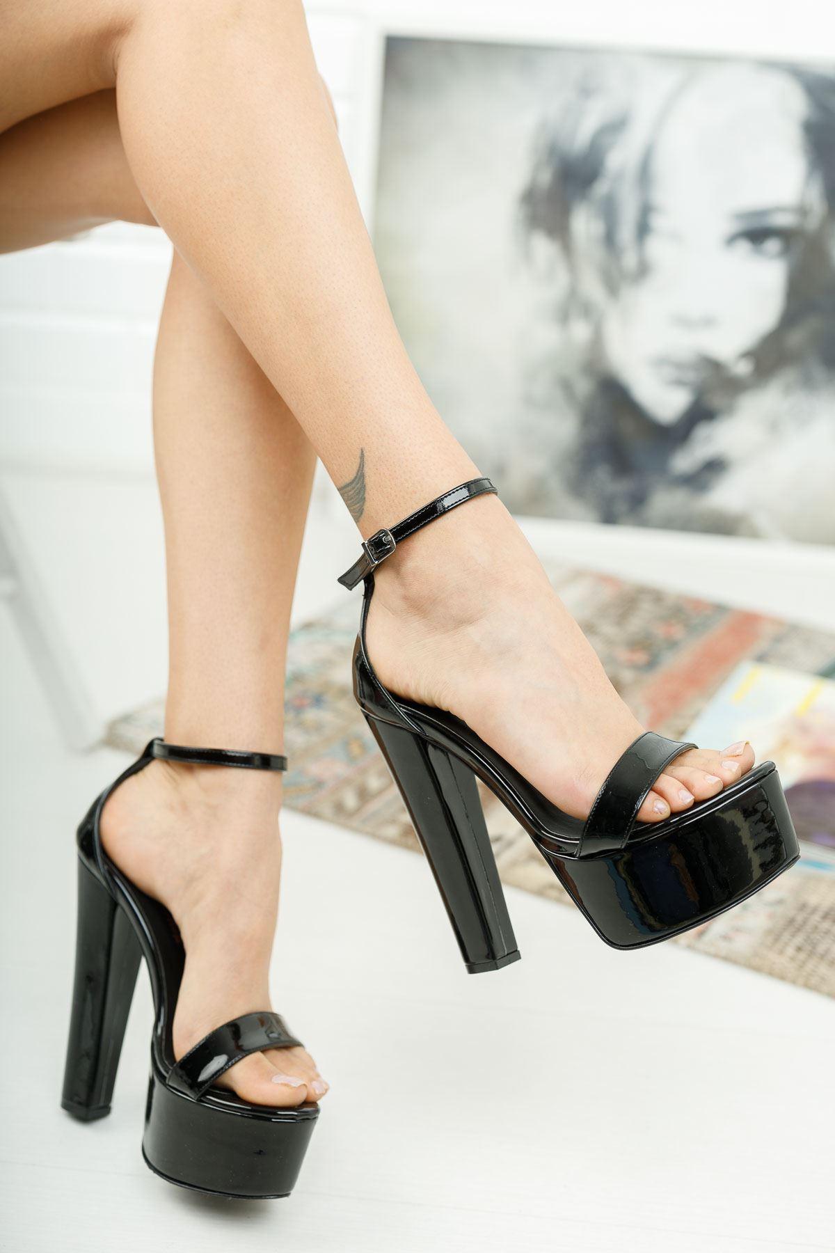 Levans Siyah Rugan Yüksek Topuklu Kadın Ayakkabı