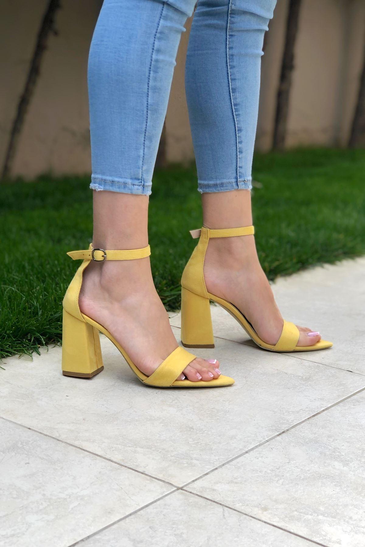 Sarı Süet Topuklu Ayakkabı