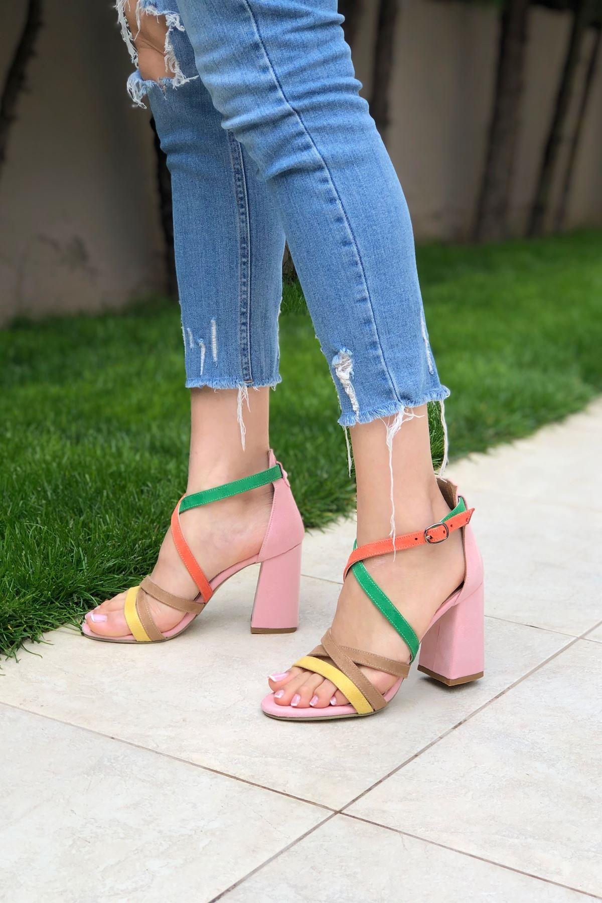 Pembe Süet Renkli Topuklu Ayakkabı