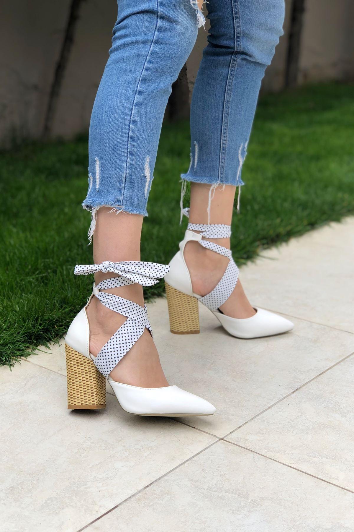 Beyaz Cilt Hasır Topuklu Ayakkabı