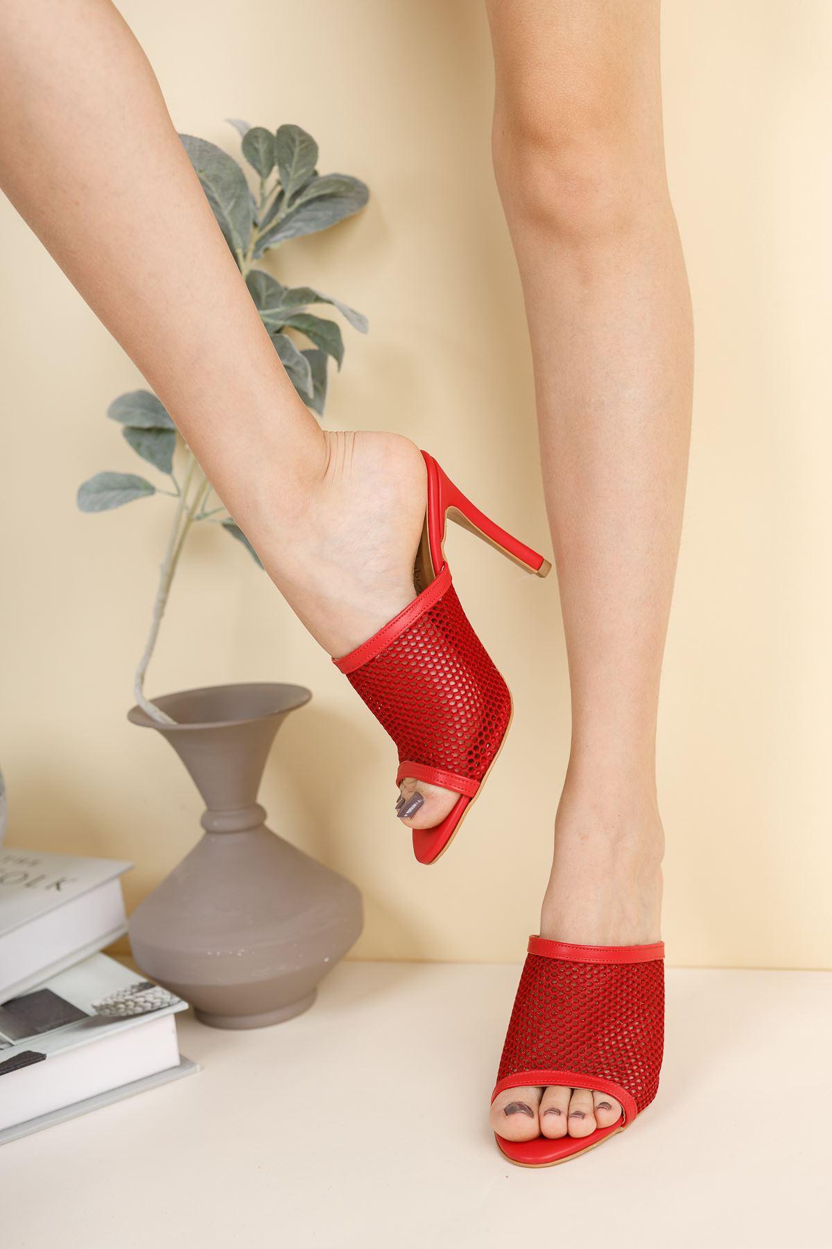 Vanelo Kırmızı Cilt Fileli Topuklu Kadın Terlik