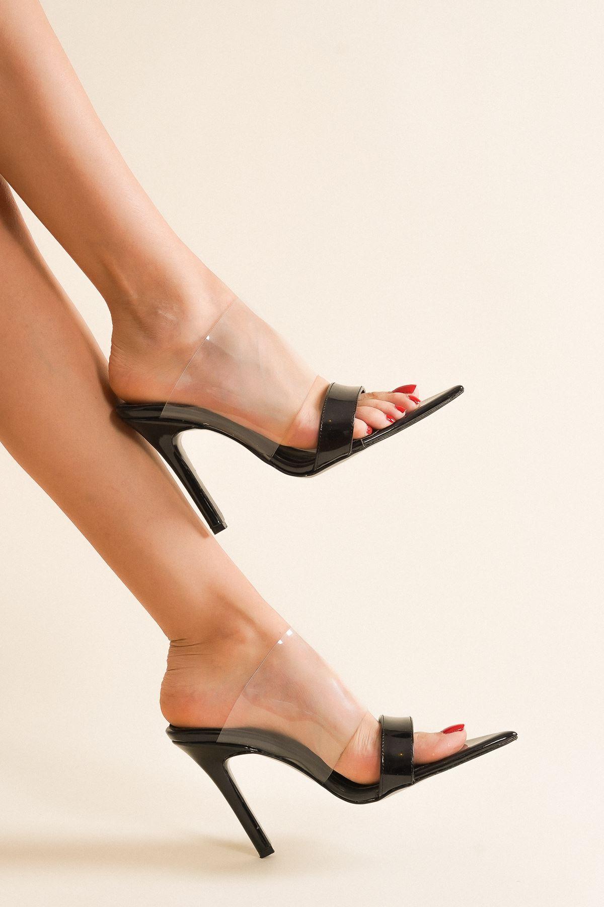 Pooly Siyah Rugan Şeffaflı Topuklu Ayakkabı