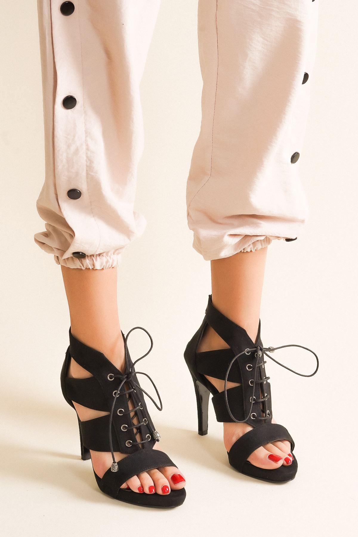 Lina Siyah Süet Bağcıklı Topuklu Ayakkabı
