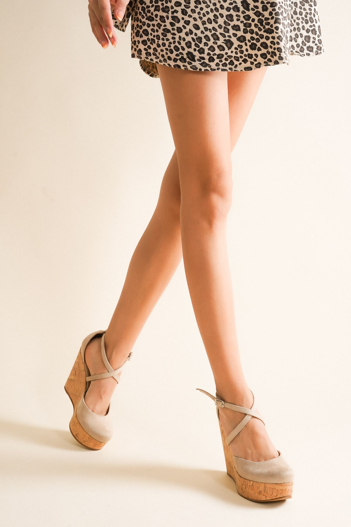 Moon Mantar Ten Süet Dolgu Topuklu Ayakkabı