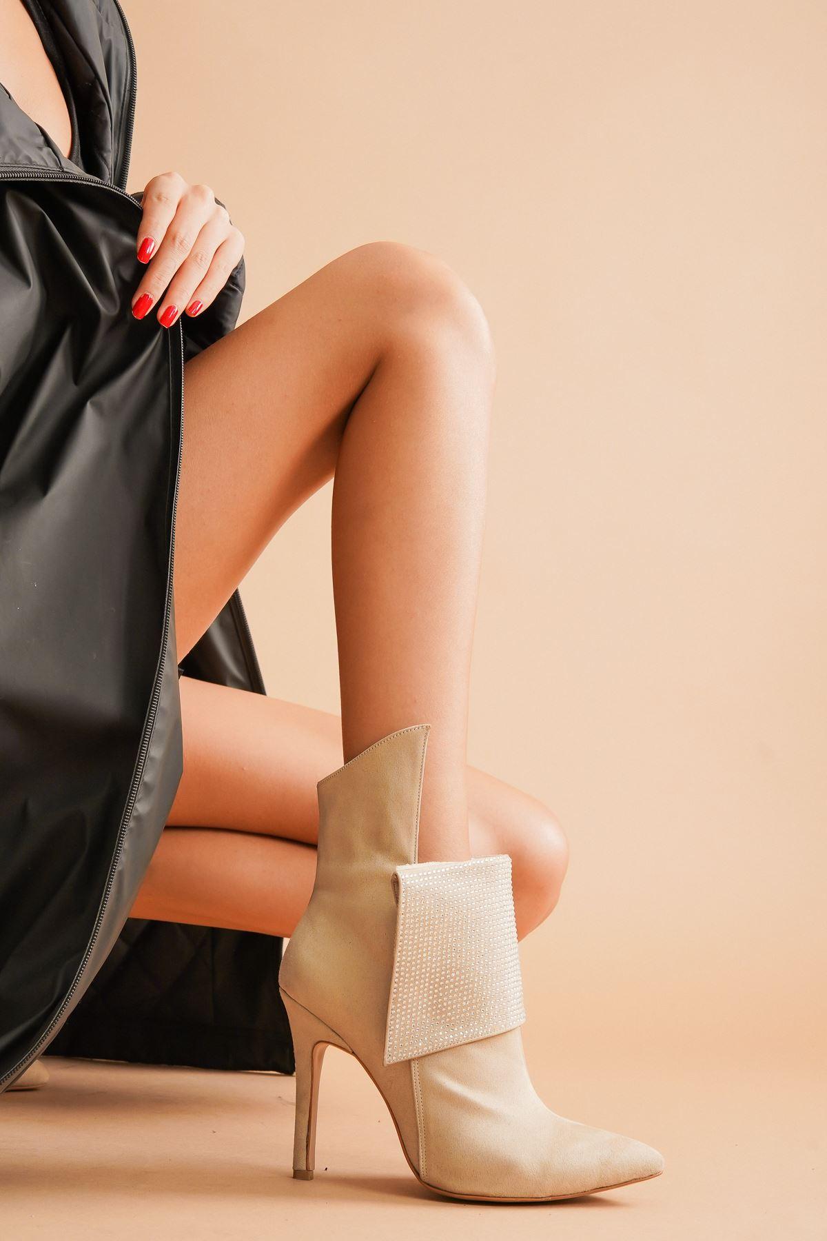Kennard Ten Süet Taşlı Topuklu Kadın Bot