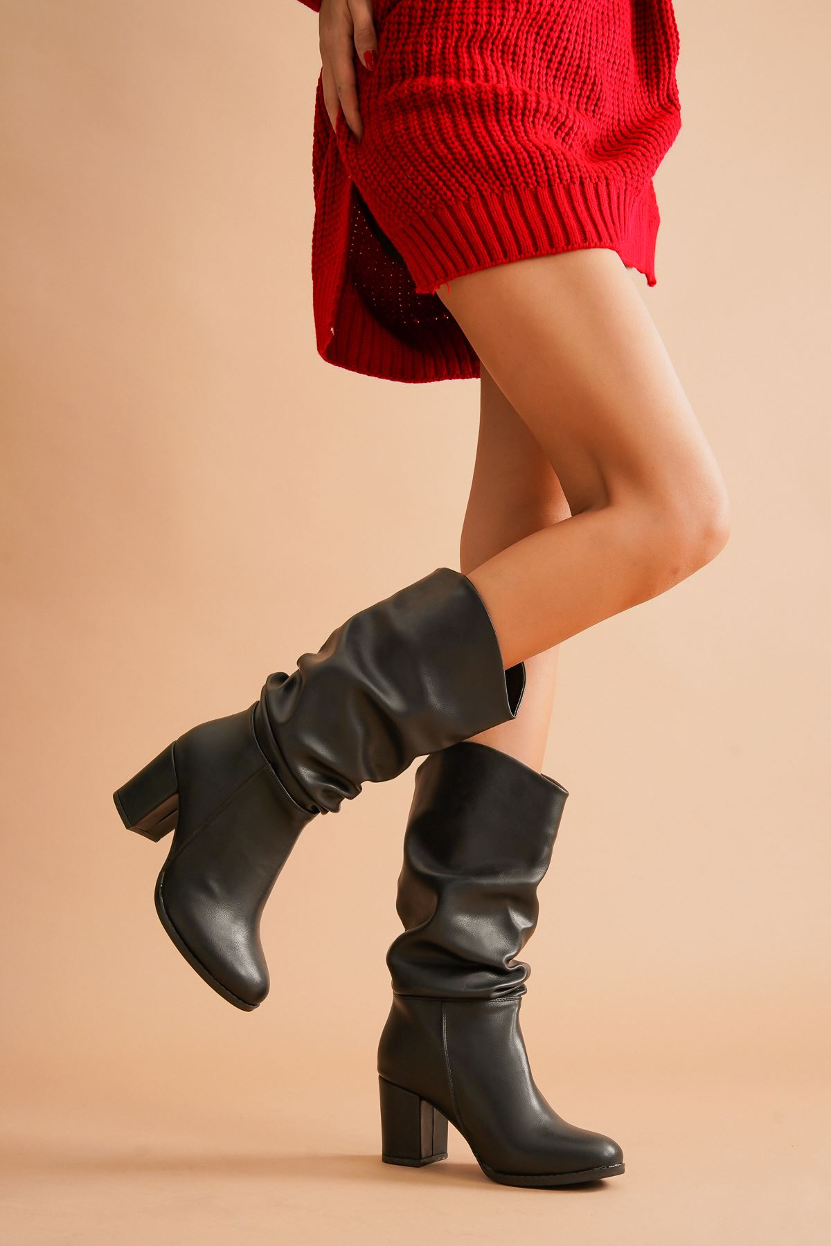 Aslia Siyah Cilt Topuklu Kadın Ayakkabı