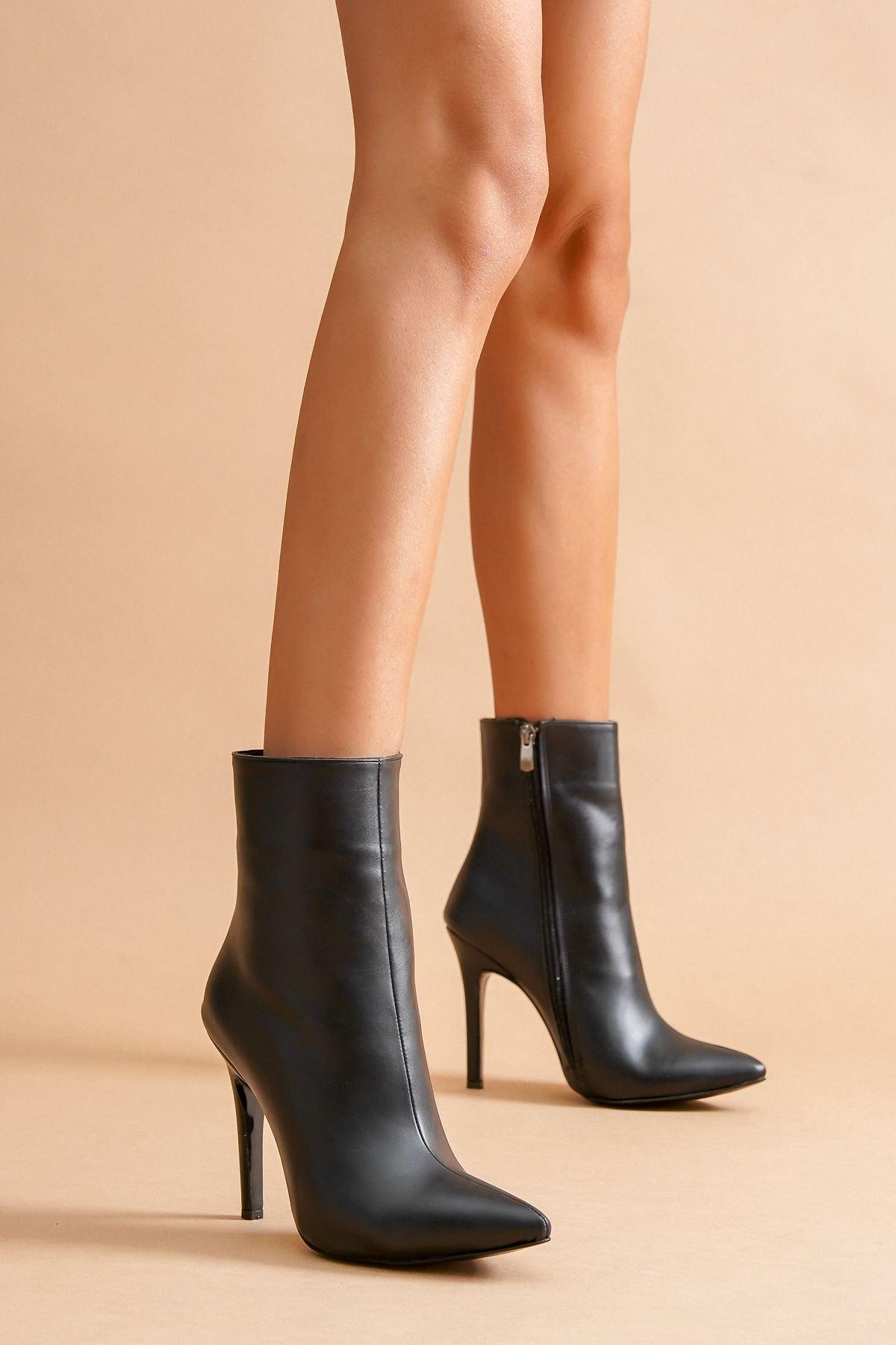 Halden Siyah Cilt Stiletto Topuklu Kadın Bot