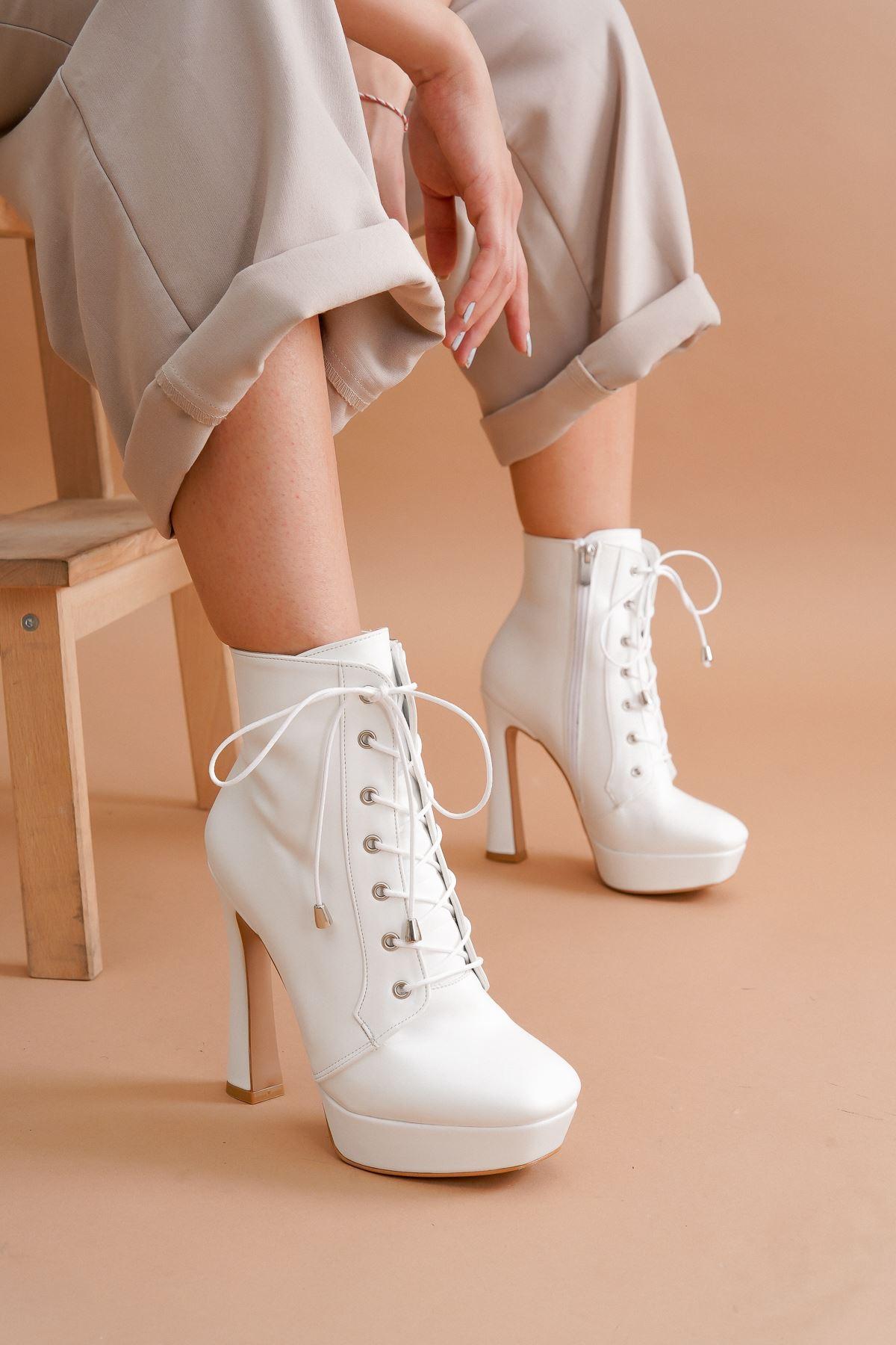 Viole Beyaz Cilt Topuklu Kadın Bot