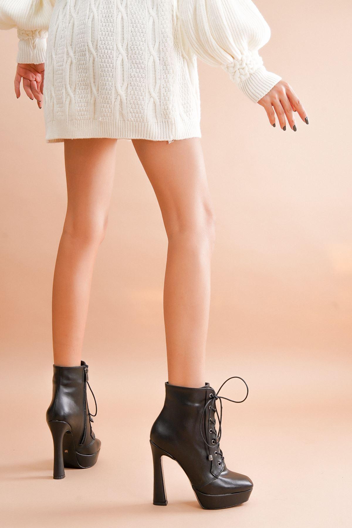 Viole Siyah Cilt Topuklu Kadın Bot