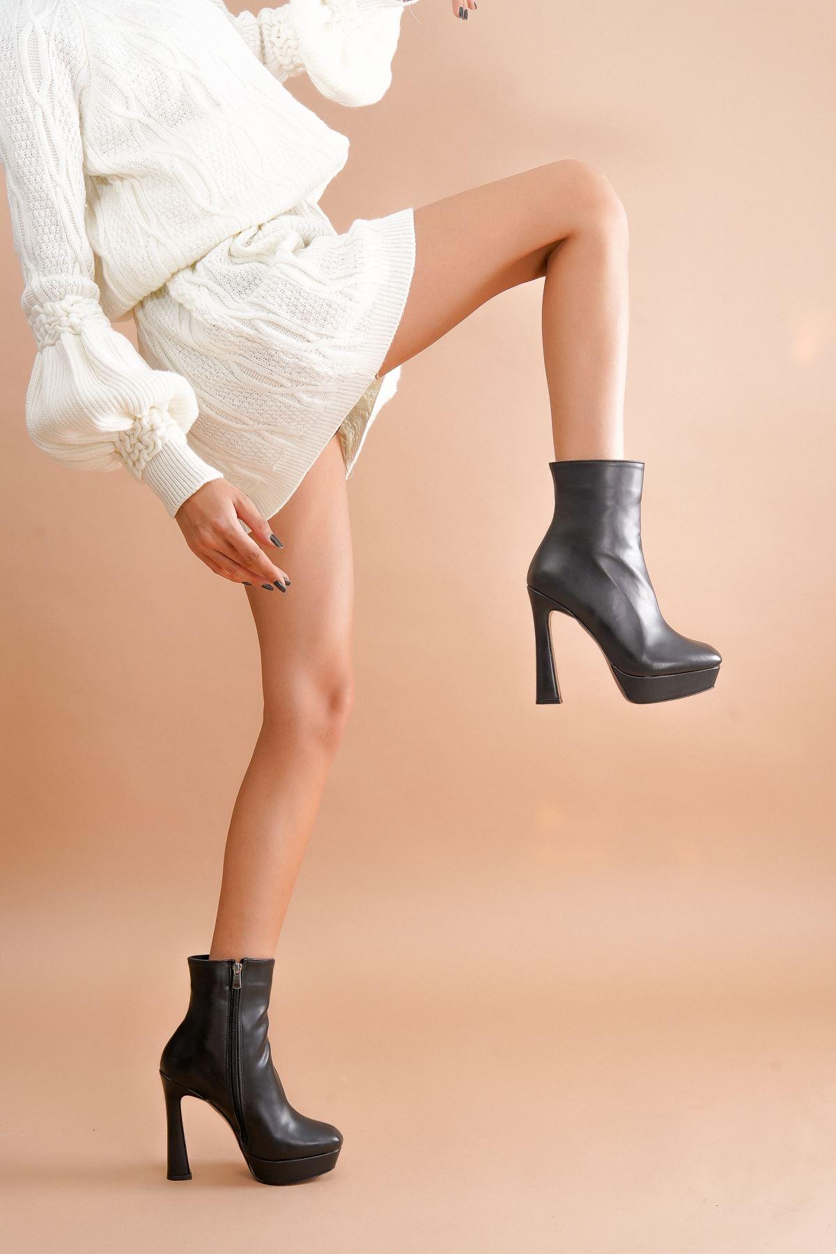 Capital Siyah Cilt Topuklu Kadın Bot