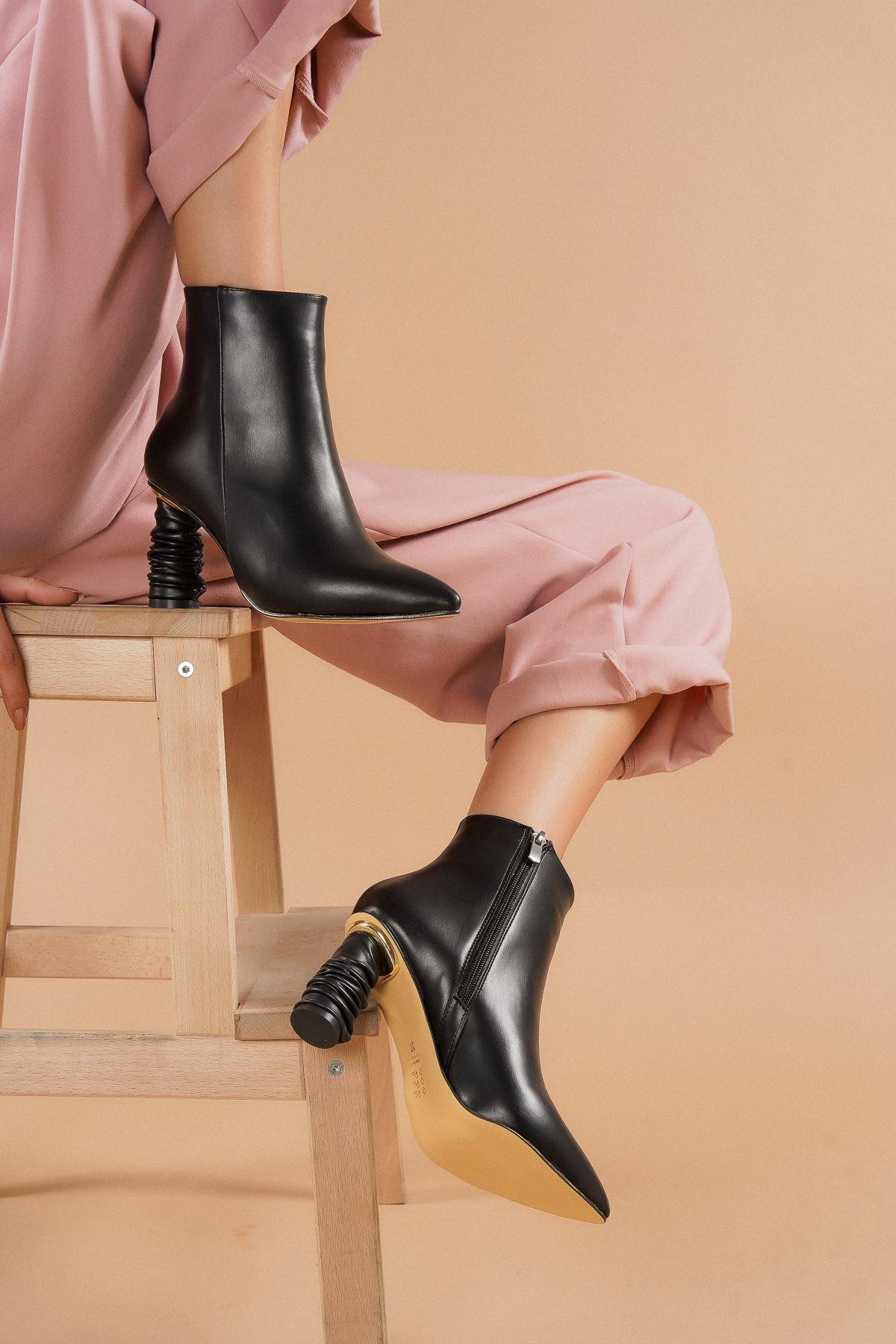 Adda Siyah Cilt Topuklu Kadın Bot