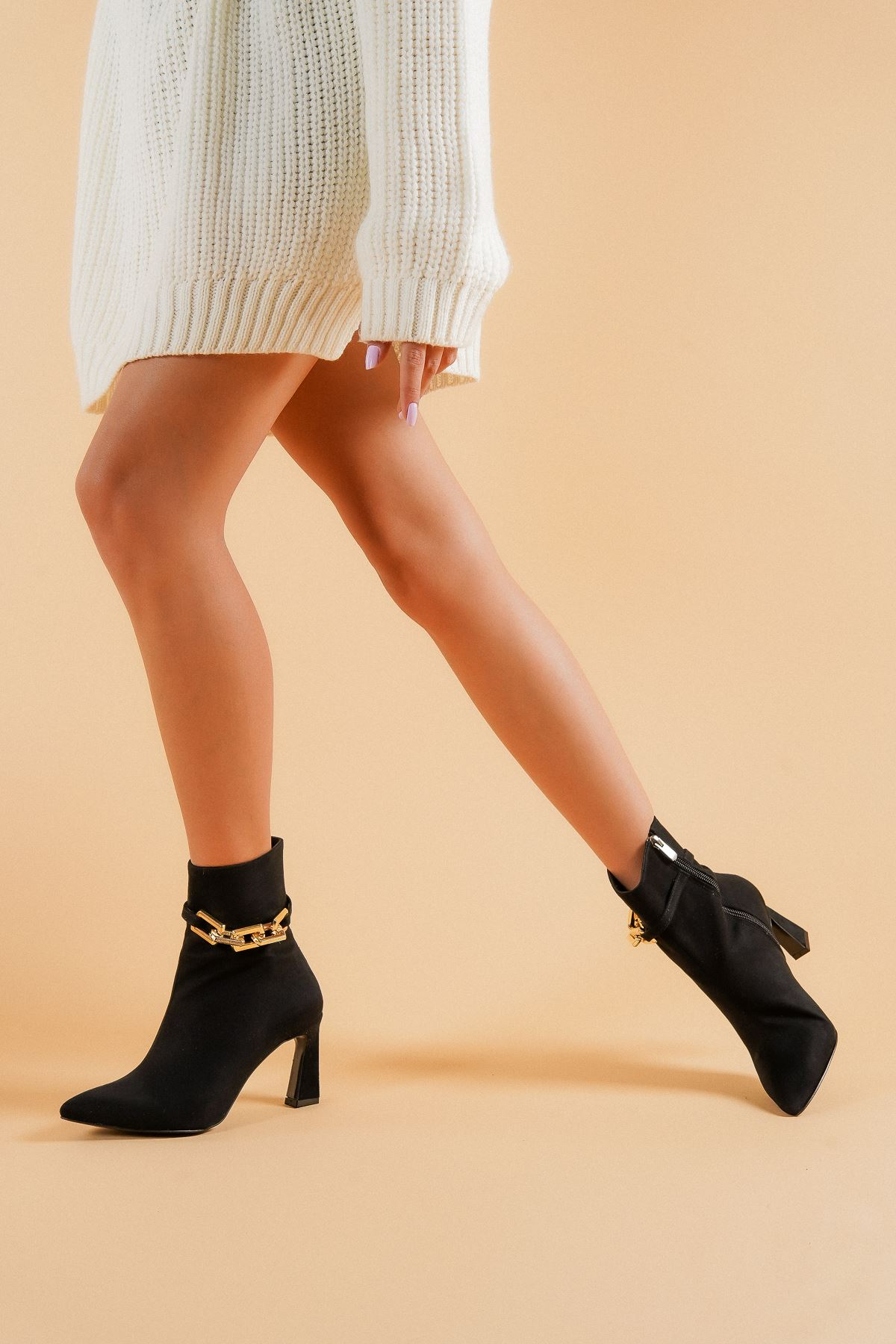 Lori Siyah Süet Gold Zincir Detaylı Topuklu Kadın Bot