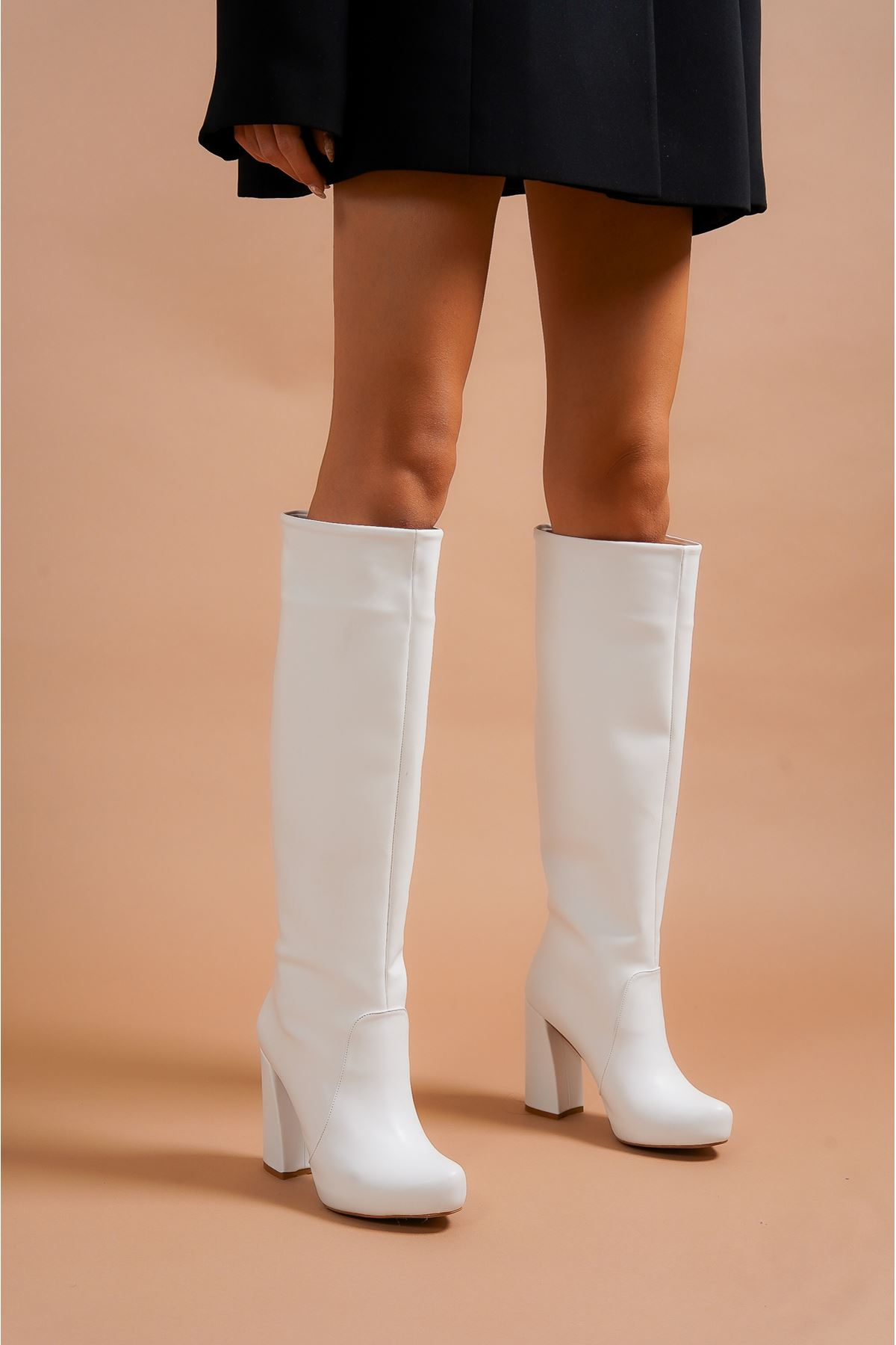 Sammy Beyaz Cilt Topuklu Kadın Çizme